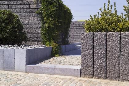 Boordstenen Vietnamese blauwe steen verouderd 10x25x100 cm