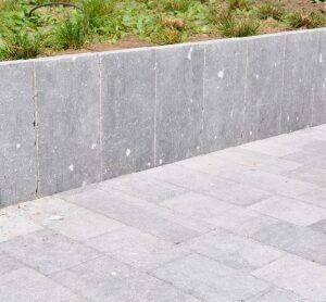 Palissade Belgische blauwe steen verouderd 8x25x100 cm