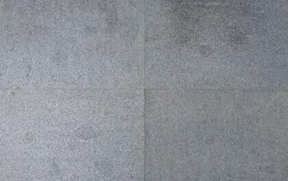 Tegels donker grijs graniet gevlamd en geborsteld