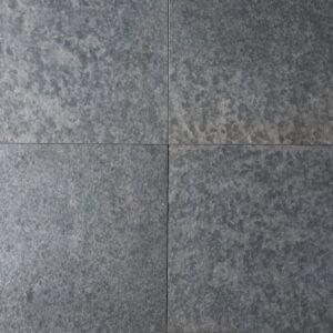 Basalte Vietnamien Flammé et Brossé 60x60x3 cm